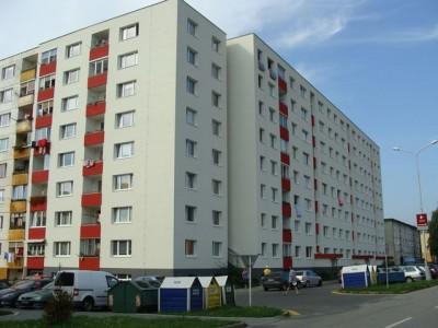 Bytový dom: Púchov, Komenského č. 1642 (rok 2011)