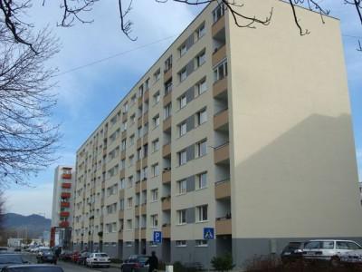 Bytový dom: Púchov, Námestie slobody č. 1408 (rok 2009)