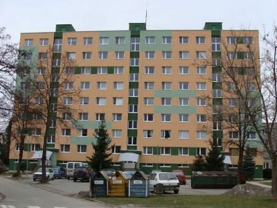 Bytový dom: Púchov, Pribinova č. 1639 (rok 2008)