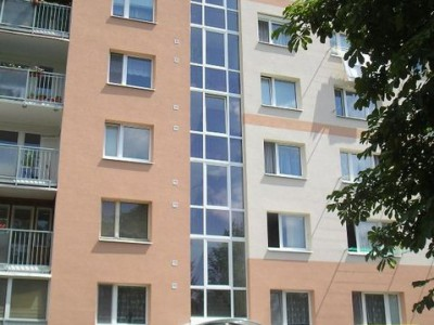 Bytový dom: Púchov, Pribinova č. 1173 (rok 2006)