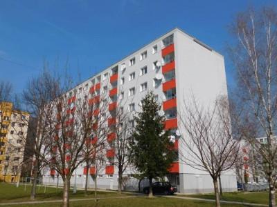Bytový dom: Púchov, Okružná č. 1422 (rok 2015)