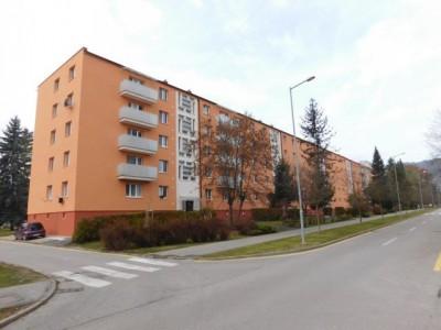 Bytový dom: Púchov, Obrancov mieru č. 1152 (rok 2015)