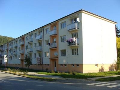 Bytový dom: Púchov, Obrancov mieru č. 1085 (rok 2013)